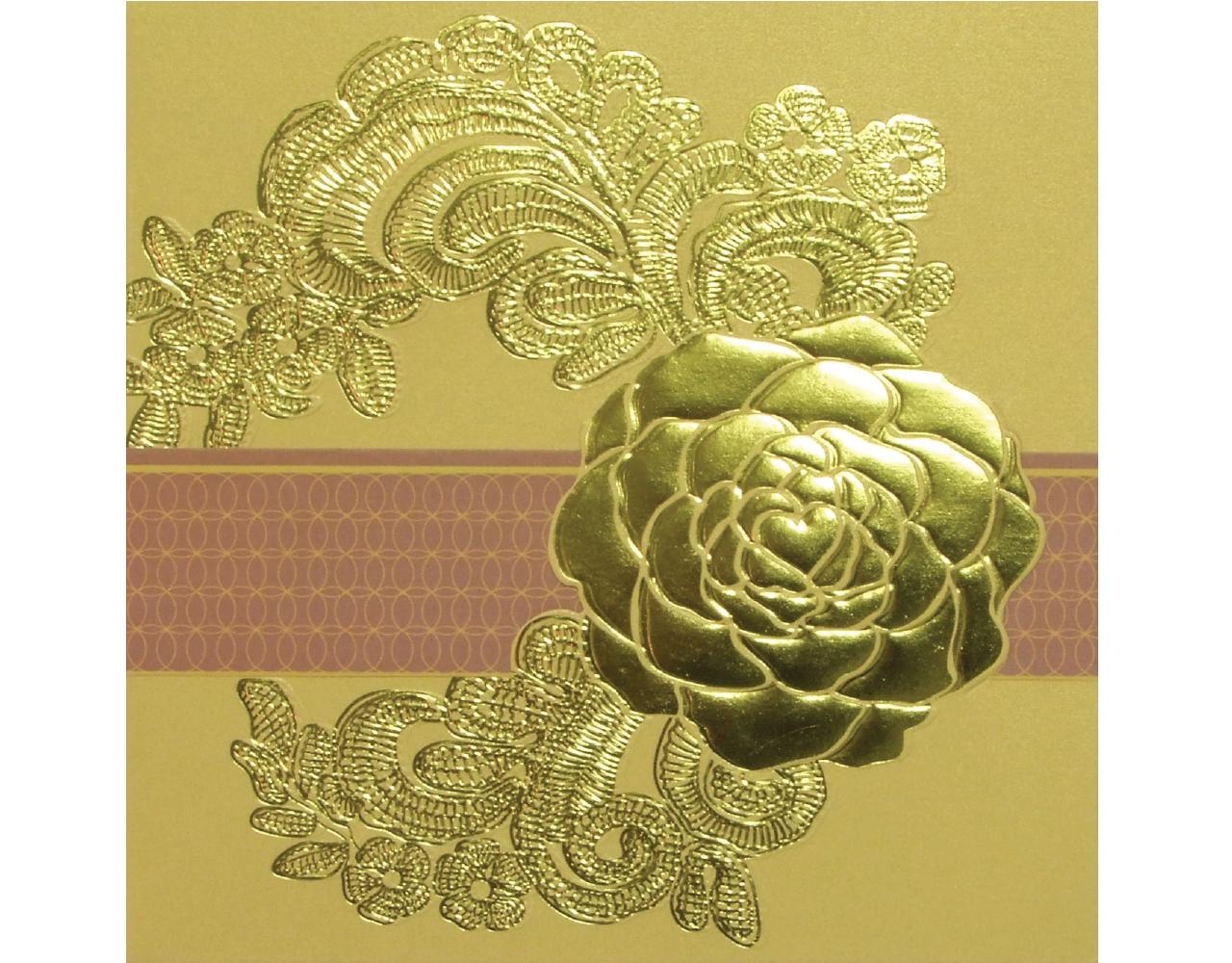 การ์ดแต่งงาน การ์ดงานแต่ง สีมุกทอง สามพับ ปั๊มนูน ไดคัทกุหลาบ พร้อมสายคาด และซอง Wedding Card 14.8 x 14.8 cm WC 5718